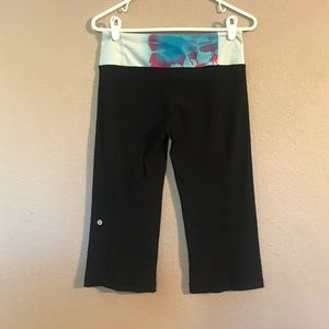 Sz 6 lululemon athletica Black Reversible Leggings